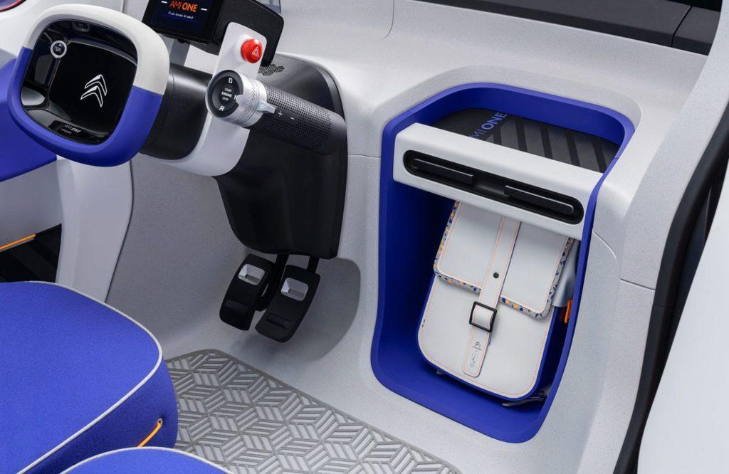 voiture-sans-permis-paris-Le-nouveau-concept-de-voiture-électrique-de-Citroën-ne-nécessite-pas-de-permis-de-conduire-1-min